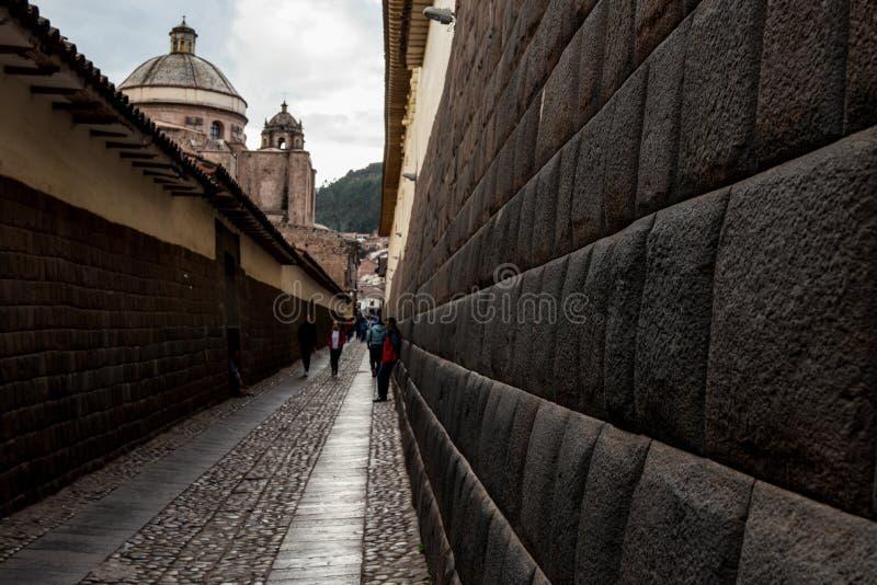 Τοίχοι Inca πλησίον στο κύριο τετράγωνο σε Cusco, Περού στοκ εικόνα με δικαίωμα ελεύθερης χρήσης
