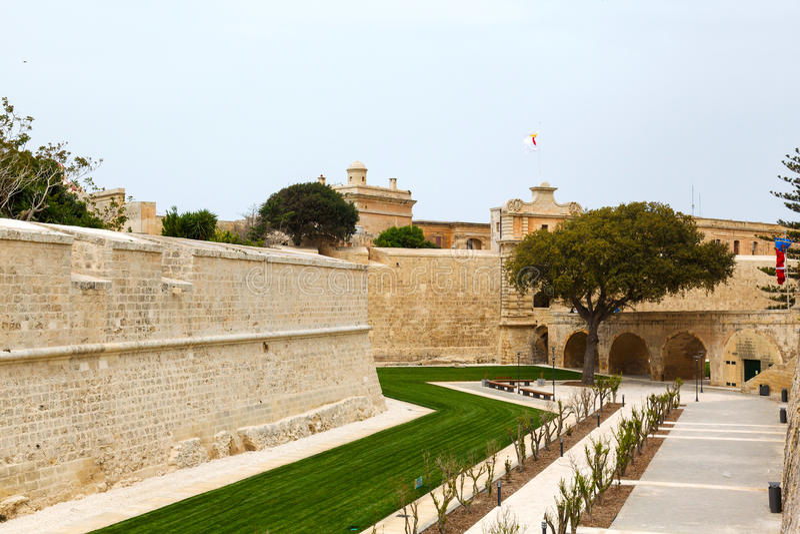 Τοίχοι Mdina προμαχώνων στη Μάλτα, 2013 στοκ φωτογραφία