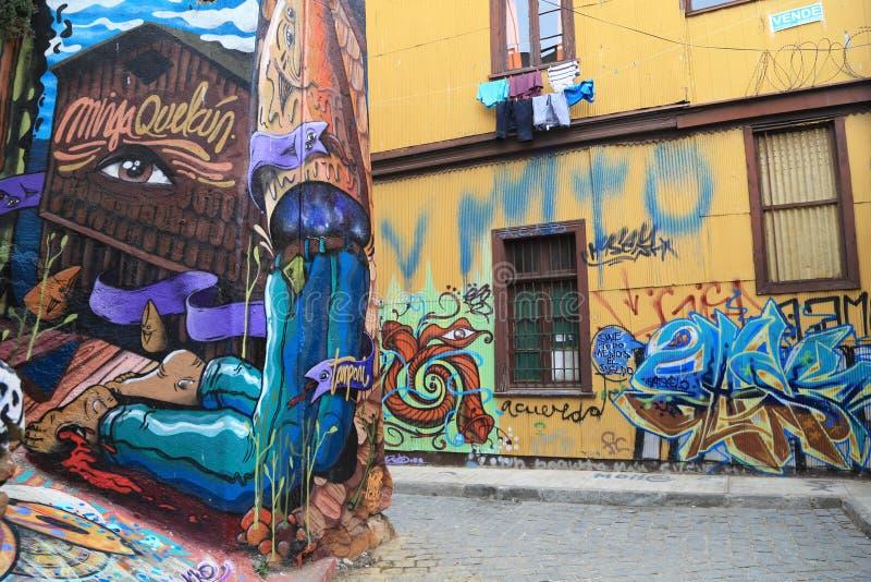 Τοίχος με τα γκράφιτι σε Valparaiso, Χιλή στοκ εικόνα