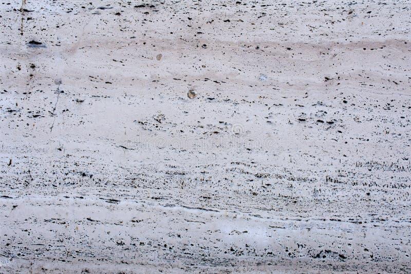 Τοίχος με τη διακοσμητική επένδυση - τραβερτίνης 4 στοκ εικόνα με δικαίωμα ελεύθερης χρήσης