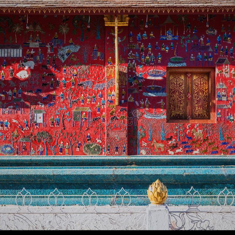 Τοίχος ναών λουριών Xieng Wat, Luang prabang στοκ εικόνες