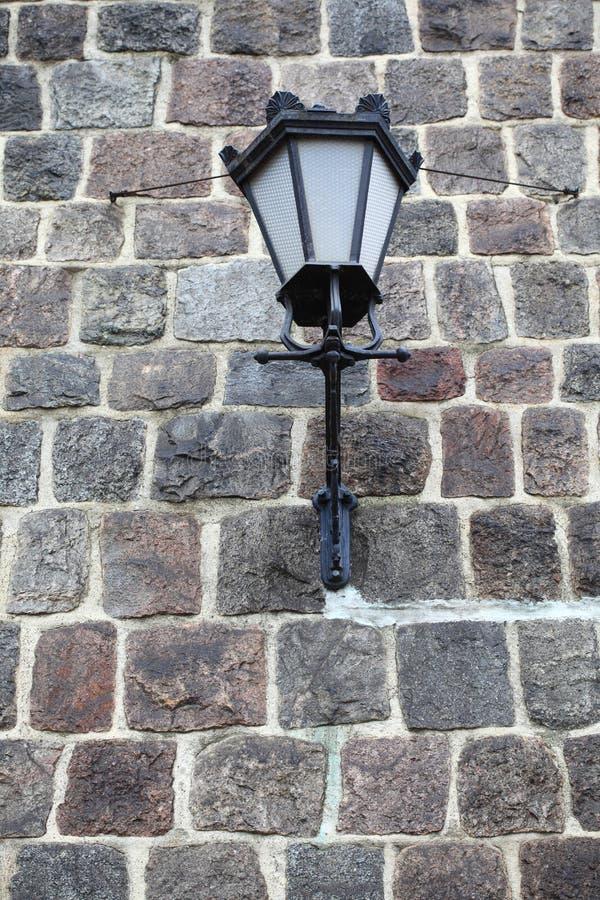 Download τοίχος πετρών λαμπτήρων αν&alpha Στοκ Εικόνες - εικόνα από πλινθοδομής, τοίχος: 22779380