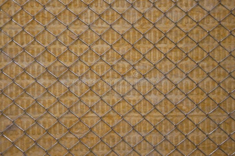 Τοίχος που μονώνεται θερμός με το μαλλί πετρών στοκ φωτογραφία με δικαίωμα ελεύθερης χρήσης