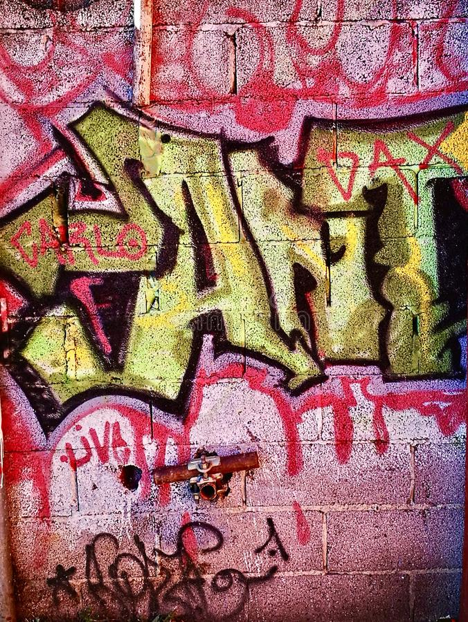 Τοίχος τέχνης οδών γκράφιτι στα περίχωρα γκέτο στοκ φωτογραφίες