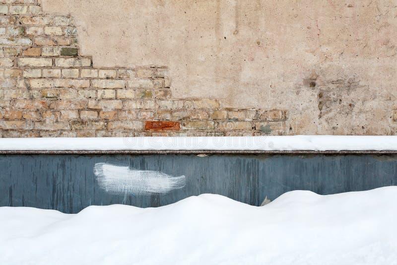 τοίχος χιονιού τούβλου στοκ εικόνες