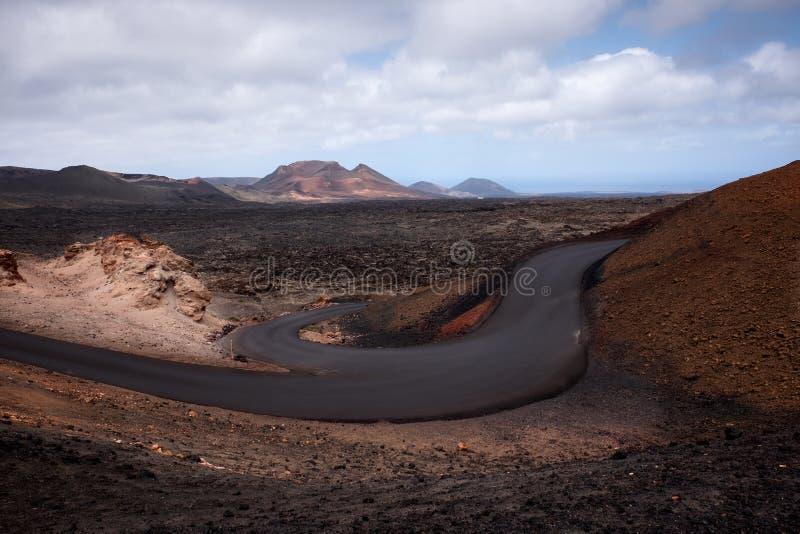 Τομείς και δρόμος λάβας στο έδαφος του εθνικού ηφαιστειακού π στοκ φωτογραφίες με δικαίωμα ελεύθερης χρήσης