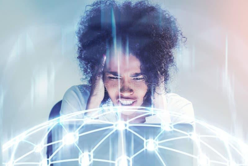 Τονισμένη έξω επιχειρηματίας αφροαμερικάνων στοκ εικόνα με δικαίωμα ελεύθερης χρήσης