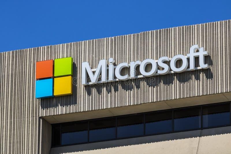 Τον Ιούνιο του 2017 της Ινδιανάπολης - Circa: Έδρα περιοχής της Microsoft Midwest Η Microsoft αναπτύσσει τα Windows και το λογισμ στοκ εικόνες