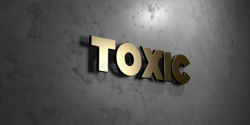 Τοξικός - το χρυσό σημάδι τοποθέτησε στο στιλπνό μαρμάρινο τοίχο - τρισδιάστατο δικαίωμα ελεύθερη απεικόνιση αποθεμάτων απεικόνιση αποθεμάτων