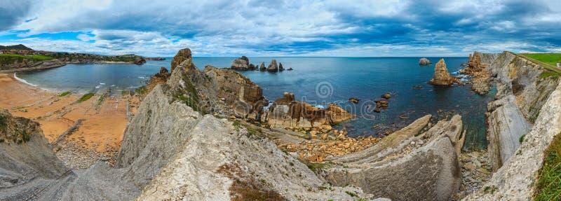 Τοπίο ακτών παραλιών Arnia στοκ φωτογραφία