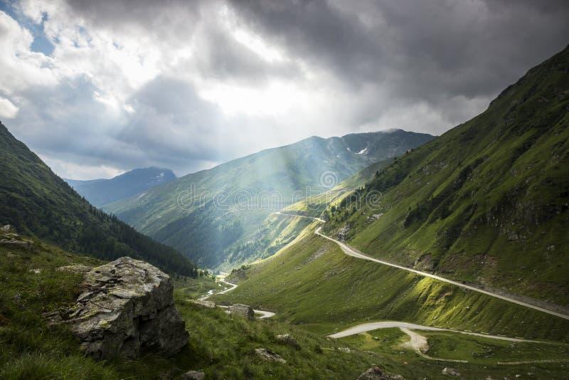 Τοπίο βουνών, ομορφιά της φύσης στοκ εικόνες