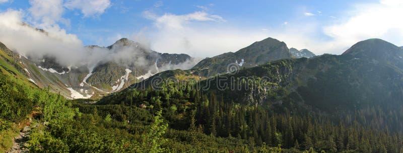 Τοπίο βουνών σε υψηλό Tatras μετά από τη βροχή στοκ φωτογραφία με δικαίωμα ελεύθερης χρήσης