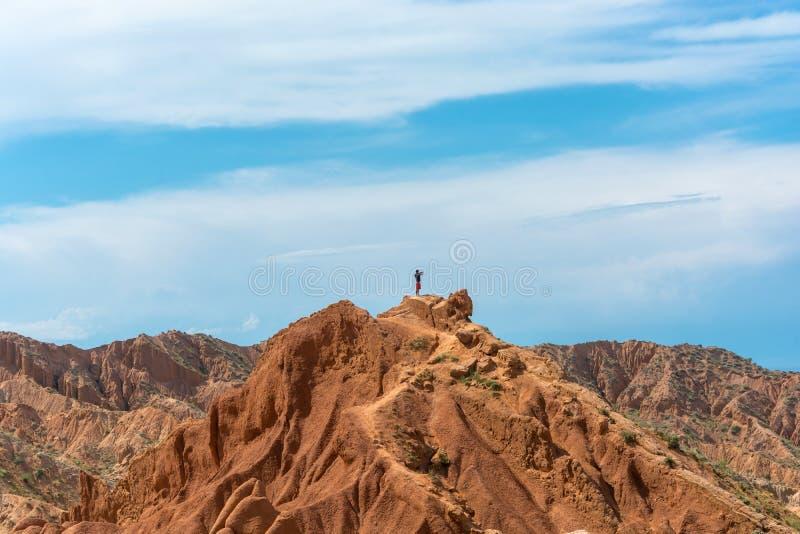 Τοπίο βουνών στο παραμύθι φαραγγιών, Κιργιστάν στοκ εικόνες