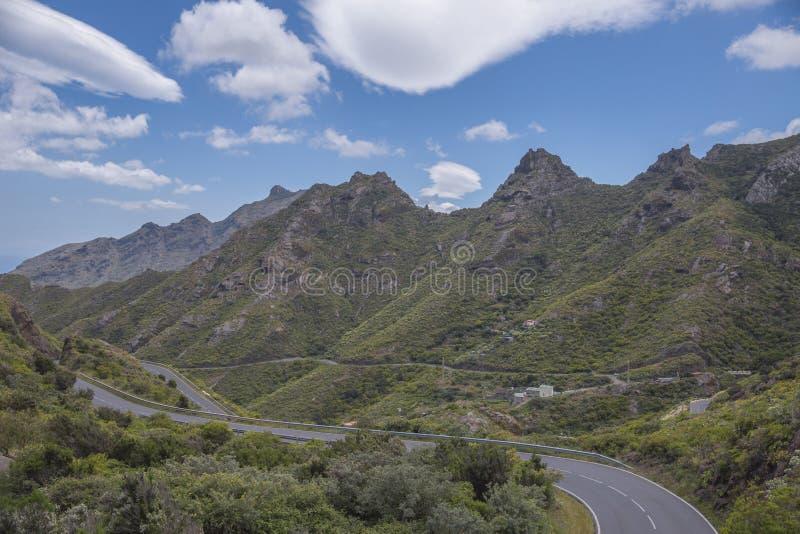 Τοπίο βουνών στο τροπικό νησί Tenerife, καναρίνι στην Ισπανία στοκ εικόνες με δικαίωμα ελεύθερης χρήσης