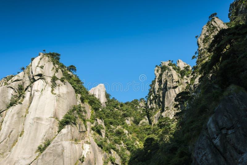 Τοπίο βουνών Sanqingshan στοκ φωτογραφία με δικαίωμα ελεύθερης χρήσης