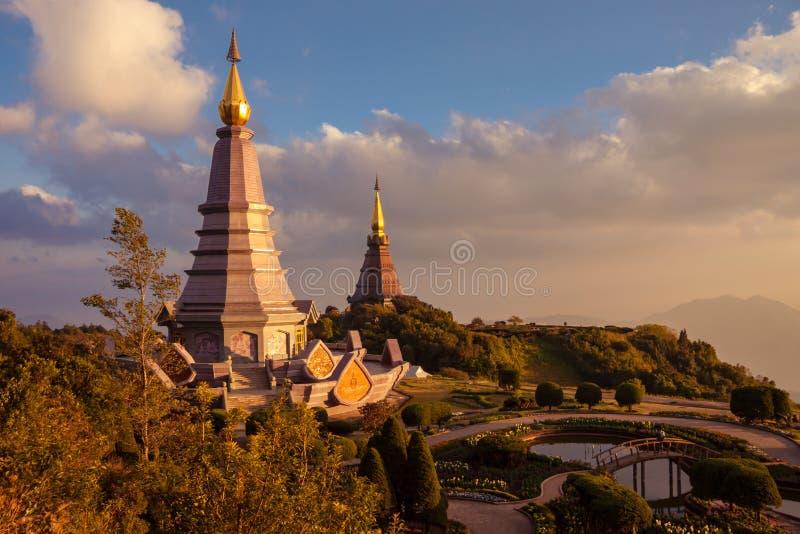 Τοπίο δύο παγόδα στο εθνικό πάρκο Inthanon doi, chiang mai, Ταϊλάνδη, στοκ φωτογραφία με δικαίωμα ελεύθερης χρήσης
