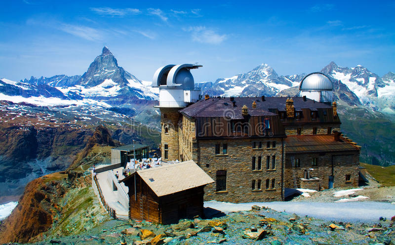 Download τοπίο Ελβετία στοκ εικόνα. εικόνα από λόφος, βουνό, κατοικία - 17057387
