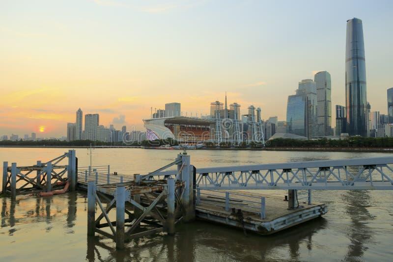 Τοπίο ηλιοβασιλέματος πόλεων Guangzhou στοκ εικόνα