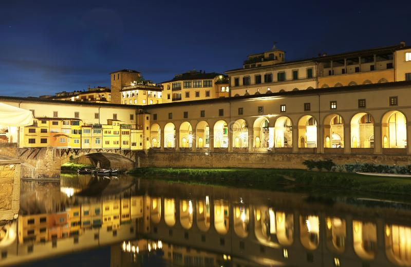 Τοπίο Ιταλία νύχτας πόλεων της Φλωρεντίας ή Φλωρεντιών στοκ εικόνες με δικαίωμα ελεύθερης χρήσης