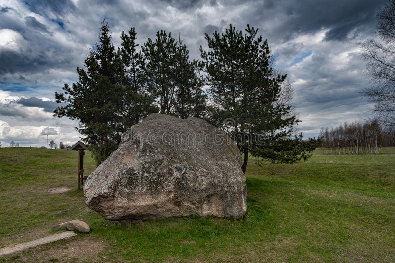 Τοπίο και φύση της Λιθουανίας με το νεφελώδη ουρανό Αντικείμενο επίσκεψης σε Vistytis στοκ φωτογραφίες με δικαίωμα ελεύθερης χρήσης