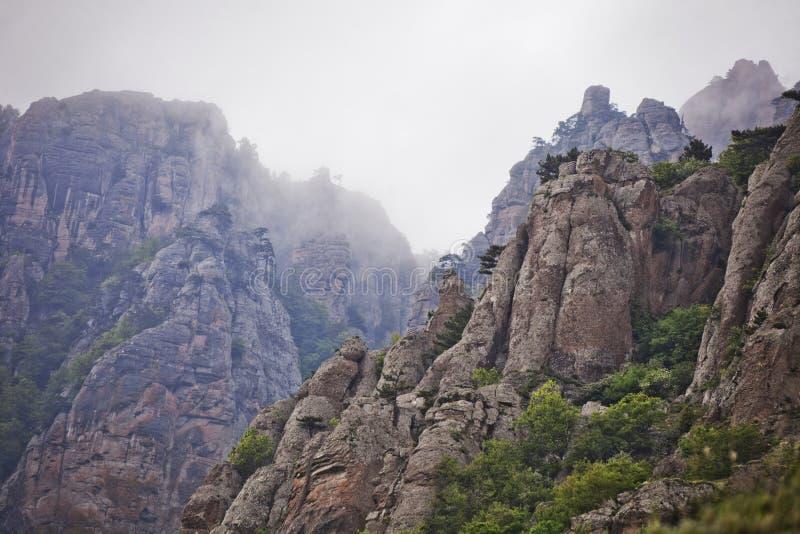 Τοπίο κοιλάδων φαντασμάτων, θέα βουνού Demergi Κριμαία στοκ εικόνες με δικαίωμα ελεύθερης χρήσης