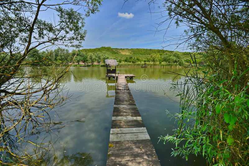 Τοπίο με την αλιεία της λίμνης σε Oradea στοκ φωτογραφίες