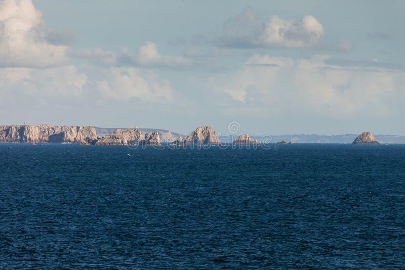 Τοπίο με τους βράχους Pointe de Pen-Hir στοκ εικόνα