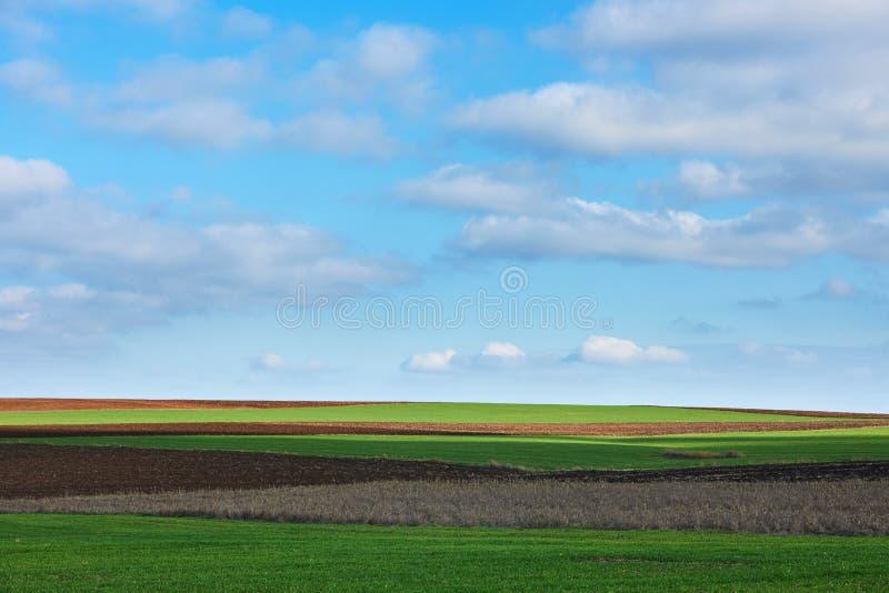 Τοπίο με το έδαφος και τον ουρανό στοκ εικόνες