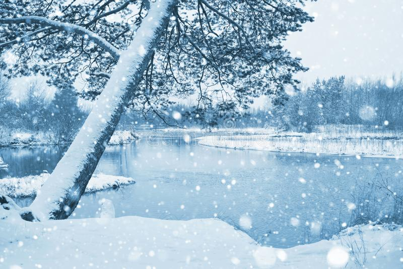 Τοπίο με το πρώτο χιόνι στοκ φωτογραφία με δικαίωμα ελεύθερης χρήσης