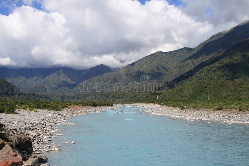 τοπίο Νέα Ζηλανδία Ποταμός Whataroa στοκ εικόνα με δικαίωμα ελεύθερης χρήσης