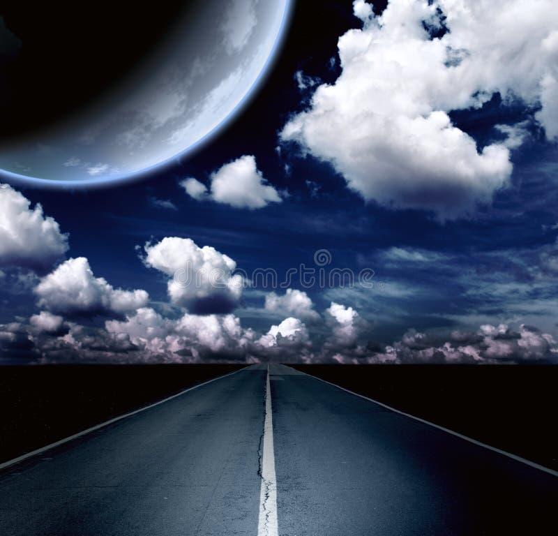 Download Τοπίο νύχτας με το δρόμο, τα σύννεφα και τον πλανήτη Στοκ Εικόνες - εικόνα από διαίρεση, cloudscape: 62723898