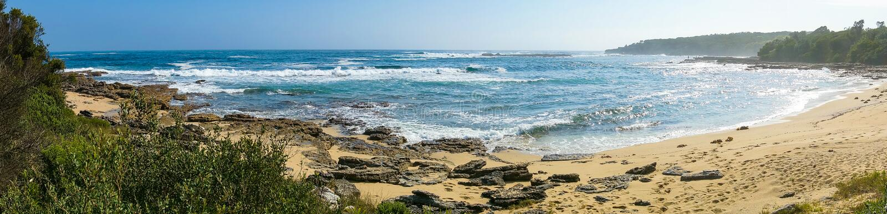 Τοπίο πανοράματος της τροπικής παραλίας στοκ φωτογραφία