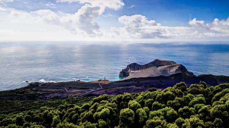 Τοπίο προς Capelinhos volcano caldera, Faial, Αζόρες, Πορτογαλία στοκ εικόνες με δικαίωμα ελεύθερης χρήσης
