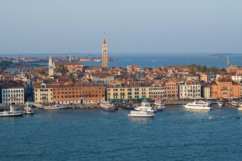 Τοπίο πόλεων από τον πύργο κουδουνιών του καθεδρικού ναού του SAN Giorgio Maggiore Ιταλία Βενετία στοκ φωτογραφίες