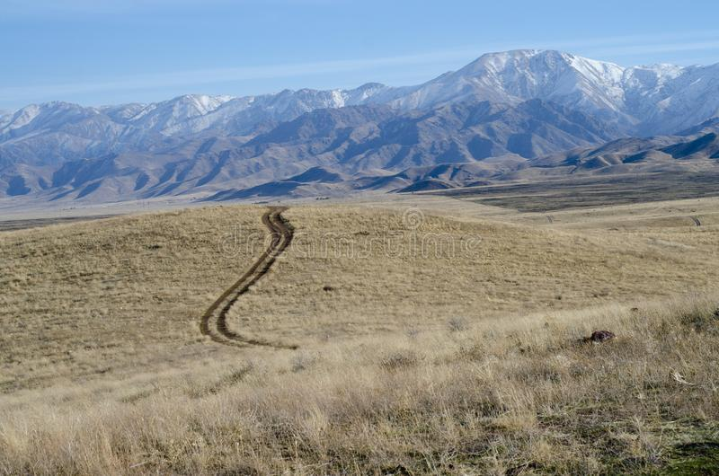 Τοπίο στα βουνά στο Καζακστάν στοκ εικόνες