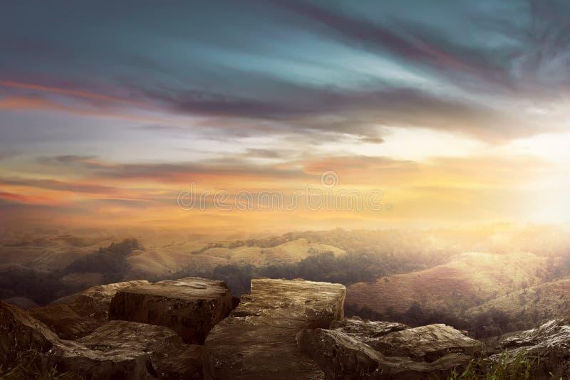 Τοπίο στην κορυφή του λόφου που φαίνεται θαυμάσιο τοπίο στοκ φωτογραφίες με δικαίωμα ελεύθερης χρήσης