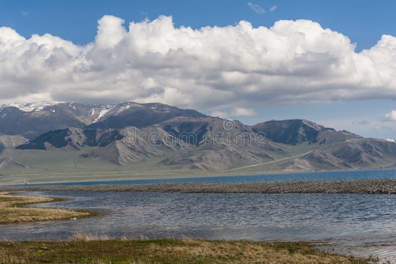 Τοπίο της λίμνης Sailimu στοκ φωτογραφίες