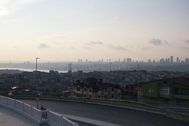 Τοπίο της Ιστανμπούλ από το μουσουλμανικό τέμενος Camlica στοκ εικόνες με δικαίωμα ελεύθερης χρήσης