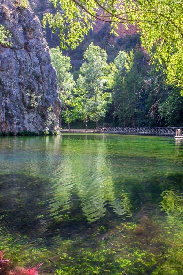 Τοπίο της σαφούς λίμνης καθρεφτών στοκ φωτογραφία με δικαίωμα ελεύθερης χρήσης