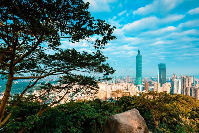 Τοπίο της Ταϊπέι από το βουνό ελεφάντων στοκ εικόνες
