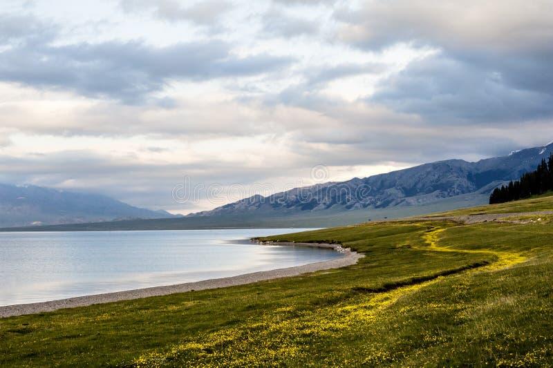 Τοπίο της όχθης της λίμνης στοκ φωτογραφίες
