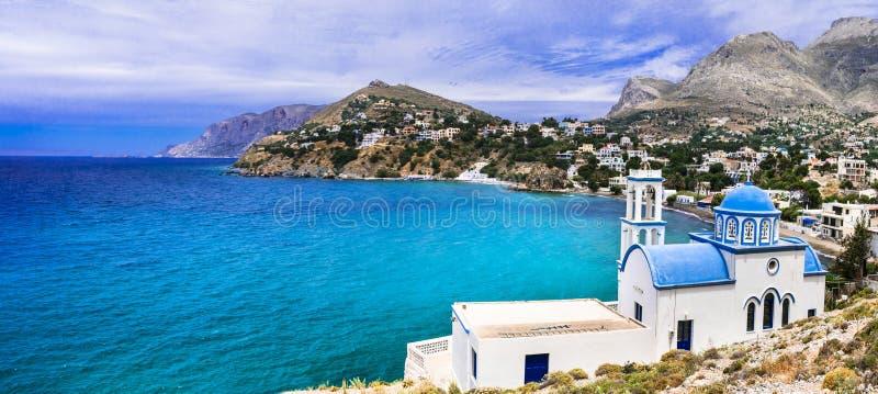 Τοπίο του νησιού Kalymnos - γραφική εκκλησία overloong η θάλασσα Panormos στοκ φωτογραφία με δικαίωμα ελεύθερης χρήσης