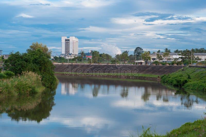 Τοπίο του ποταμού pattani στο yala, Ταϊλάνδη στοκ εικόνα