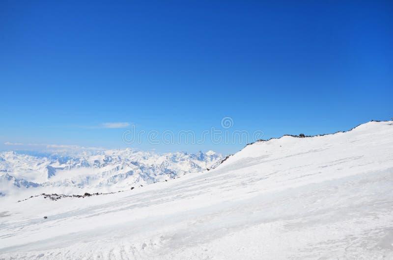 Τοπίο των όμορφων κλίσεων των βουνών Καύκασου στοκ φωτογραφίες με δικαίωμα ελεύθερης χρήσης