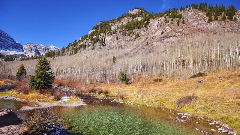 Τοπίο φθινοπώρου βουνών, Κολοράντο, ΗΠΑ στοκ εικόνες