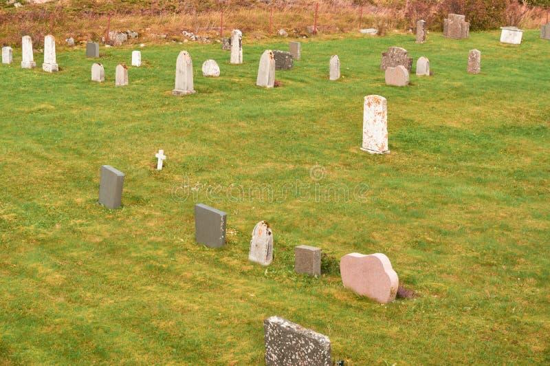 Τοπίο φθινοπώρου στο νεκροταφείο στοκ φωτογραφίες