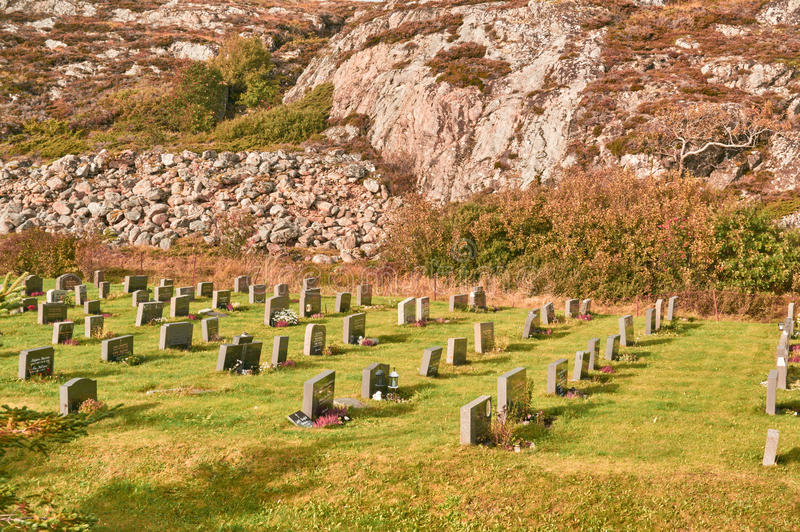 Τοπίο φθινοπώρου στο νεκροταφείο στοκ φωτογραφία με δικαίωμα ελεύθερης χρήσης