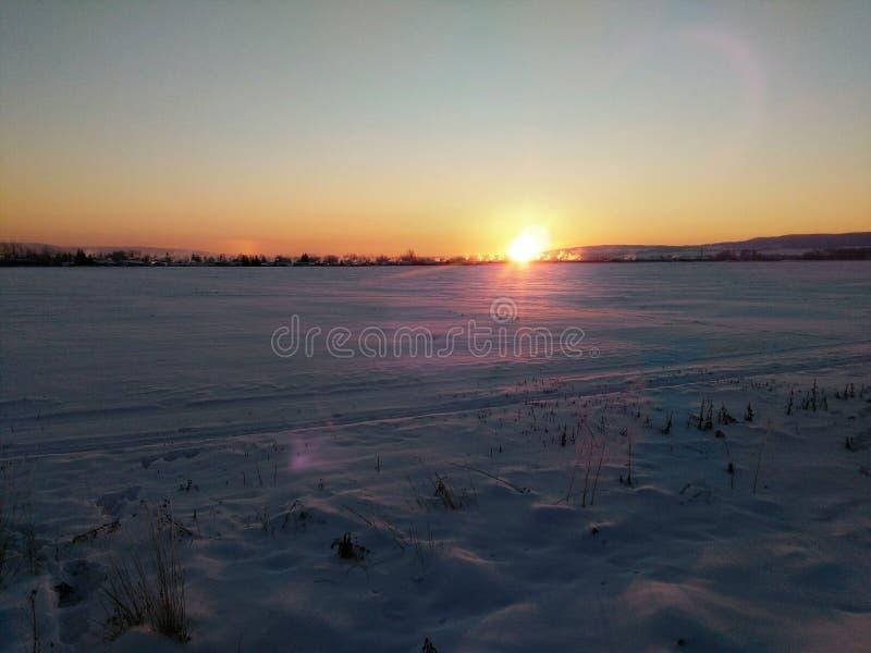 Τοπίο χειμερινής ανατολής στοκ φωτογραφία
