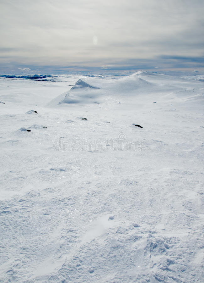 Τοπίο χειμερινών βουνών στοκ φωτογραφίες