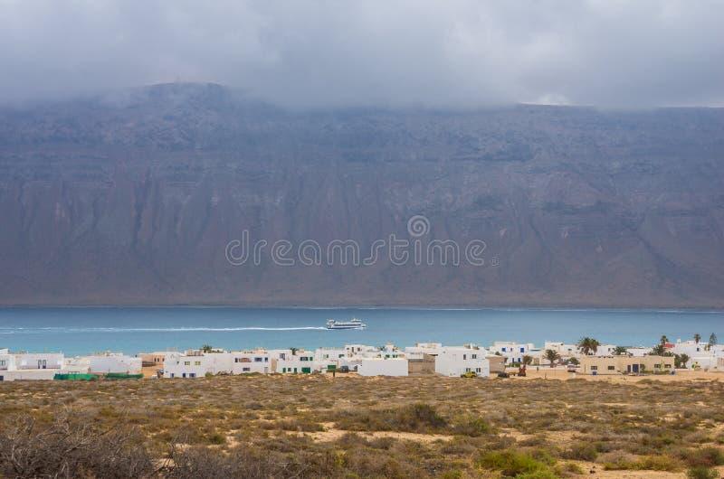 Τοπίο Caleta de Sebo, νησί Λα Graciosa στοκ εικόνες